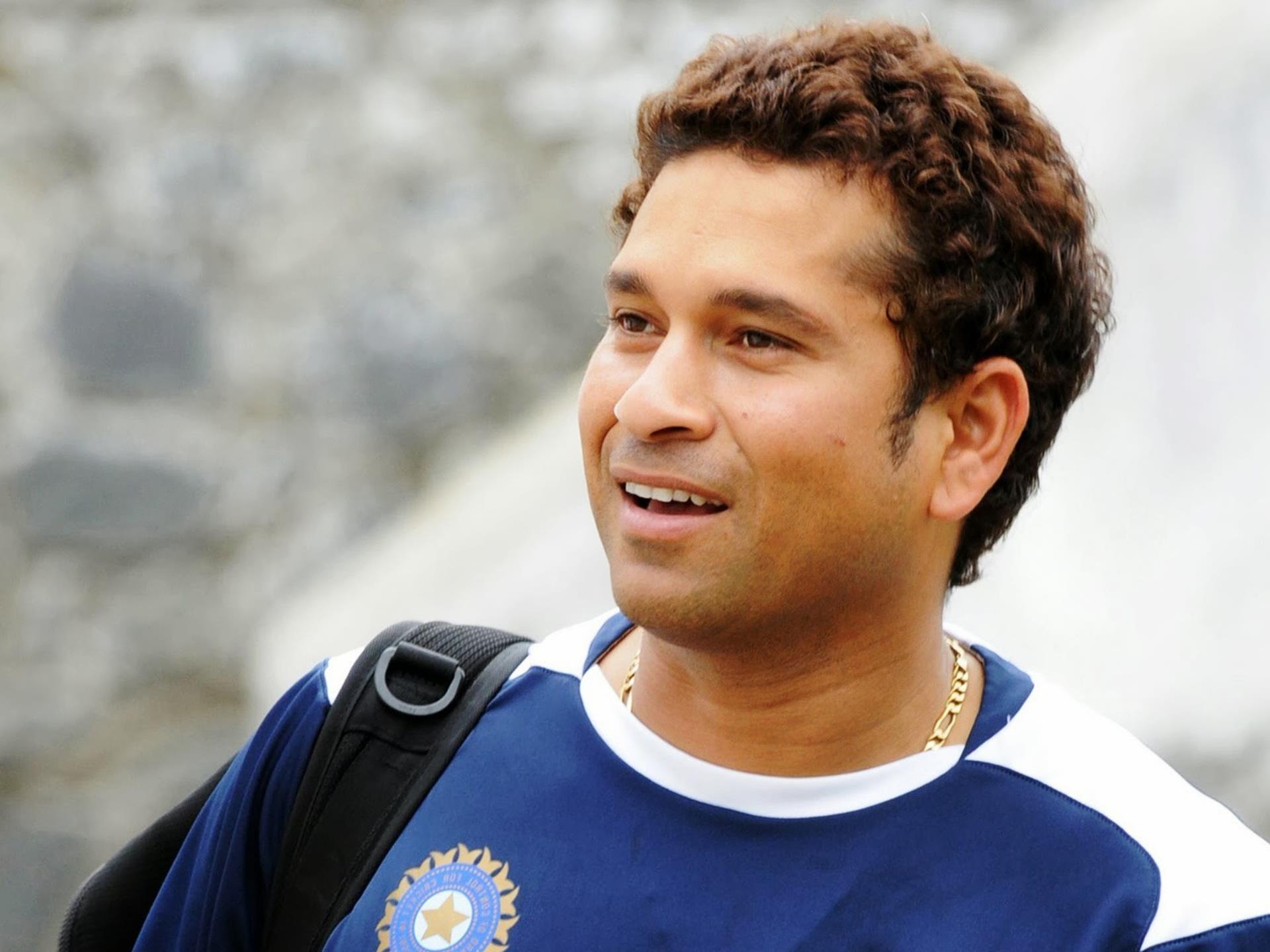 information of sachin tendulkar in hindi Sachin tendulkar's career : hello sachin sir ji appko cricket se alag dhekhker cricket dhekna bekaar hai kyo ki app he indian cricket ki jaan the.